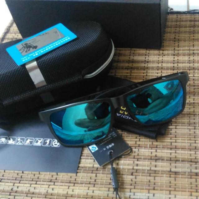 Kacamata Polarized blue