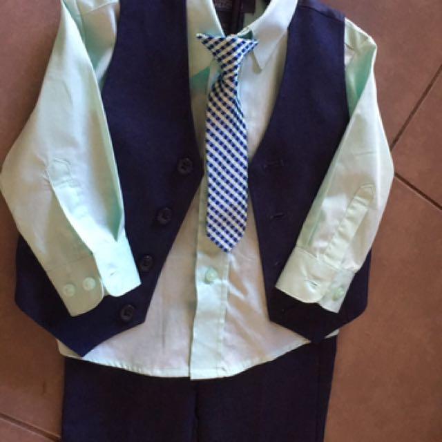 Kenneth Cole boys suit