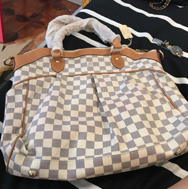 Lv for sale!