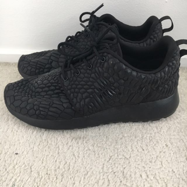 Nike Roshe Run DMB Black - Size 7