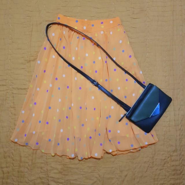 Orange polka pleated skirt