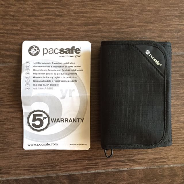 PACSAFE RFIDsafe Tri-fold Travel Wallet