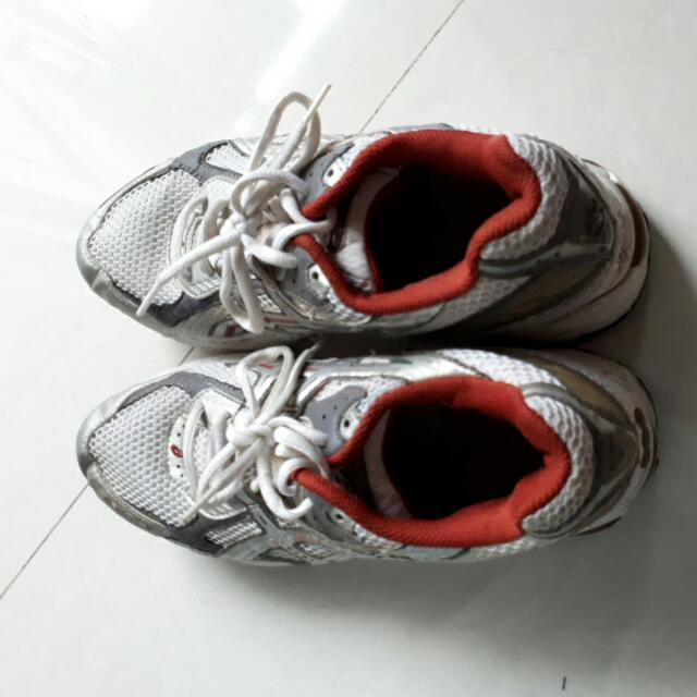 Running Shoes Size 44