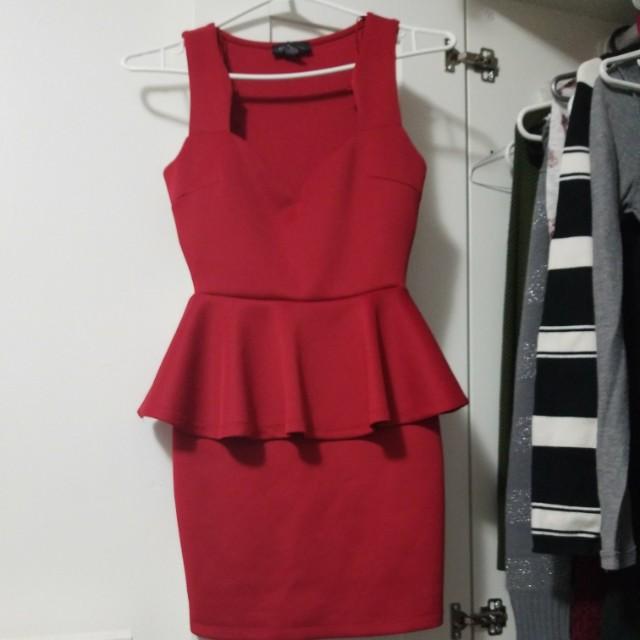 Seductions red dress (XS)