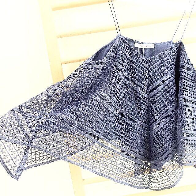 Zara top triangle