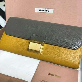 Miu Miu long Wallet 長銀包