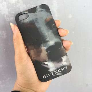 Case Givenchy