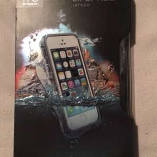 Life Proof case frē for iPhone 5/5s in white