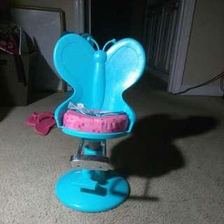 Doll hair chair
