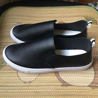 黑色素面百搭懶人鞋