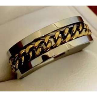 Mens Stainless Steel Two Tone Spin Chain Ring. Size S (9).