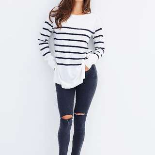 White & Navy Knit Top