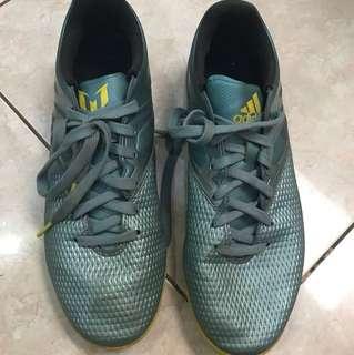 Sepatu futsal adidas messi, size 43.5