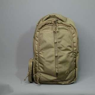 Nixon Laptop Bag (Gold)