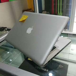 Macbook Pro 13 core i5 MC700