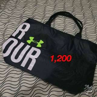 Under armour tote bag authentic from US slightly used and very good condition