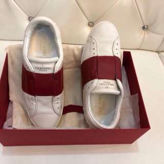 Valentino Sneakers size 7