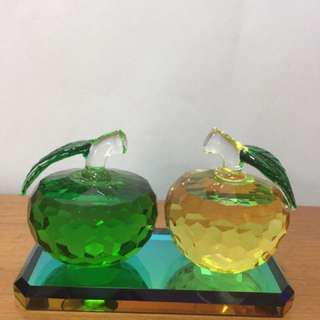 Fengshui Apple Crystal with base (Left 2 sets)