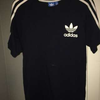 Authentic Adidas t-shirt