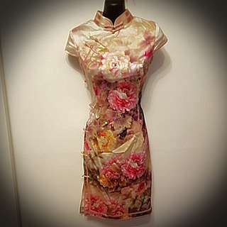Rongyi authentic chinese dress size M ( Perect for Spring Racing)