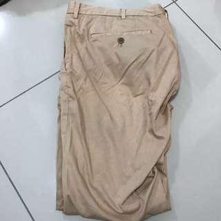 Uniqlo long khaki pant size 85 or 33-35 inches
