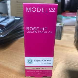 Model co rosehip oil 17ml