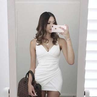 White V Dress Wrap