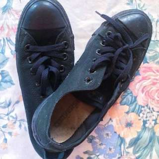 Authentic Black Converse