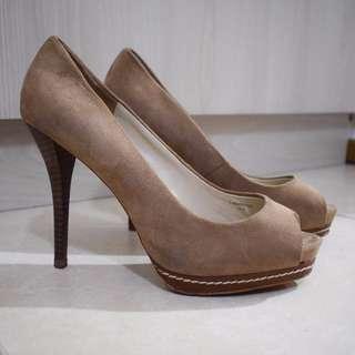 ZARA Women Beige High Heeled Shoes