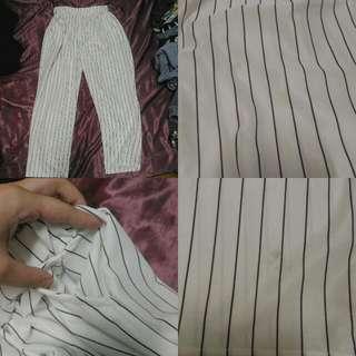 白色直桶褲