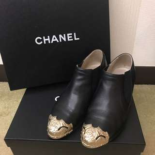 Chanel shoes with box