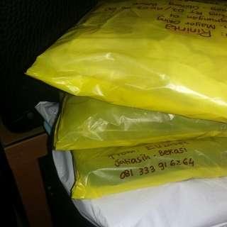 Shipping...Besok pick up wahana jam 1 siang so transaksi sebelum jam 1 bisa langsung kirim.thanks
