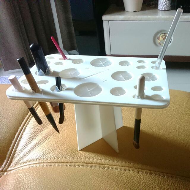 化妝刷具台