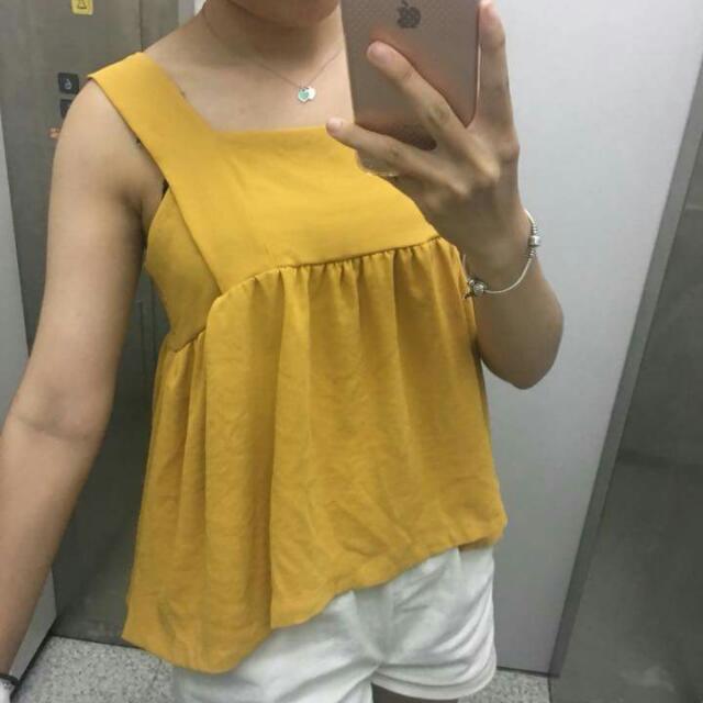 ✨夏日黃色 方領背心 清新可愛 寬肩帶 露鎖骨小性感! #交換最划算 #含運最划算  #我的女裝可超取