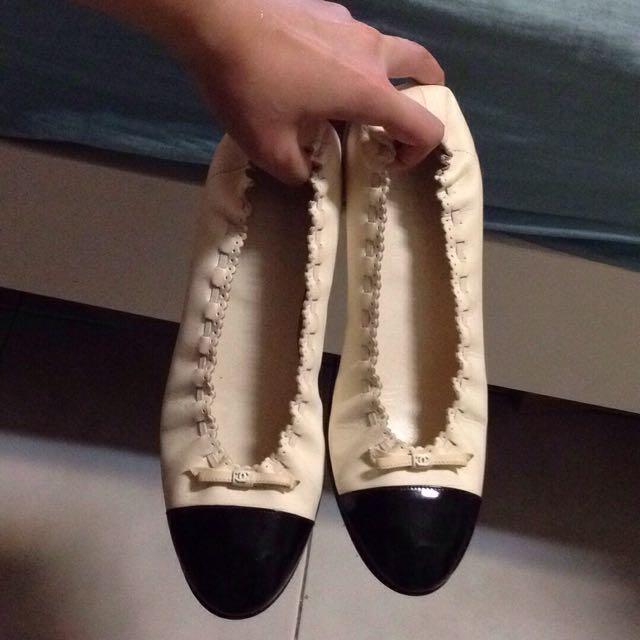 🌟真品 二手 Chanel 38.5c 黑白經典 法式圓頭 蕾絲邊 花邊 平底鞋 娃娃鞋 包鞋