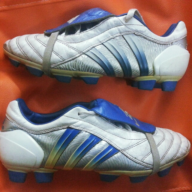 new concept f564f a4114 ADIDAS Predator Pulse DB White Blue 9.5UK, Sports, Other on Carousell