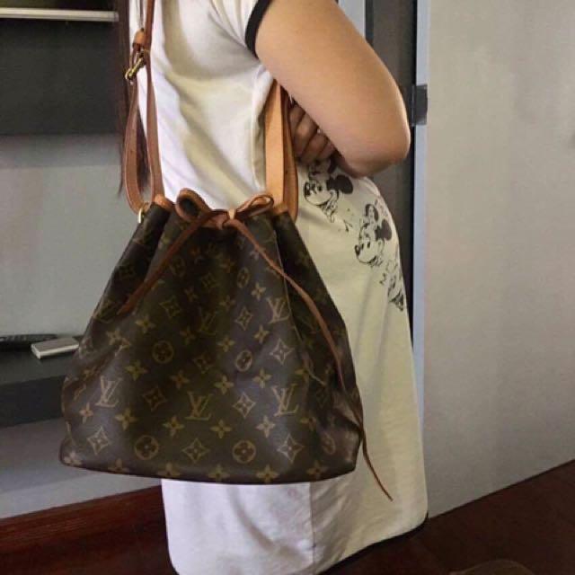 Authentic Louis Vuitton Petite Noe