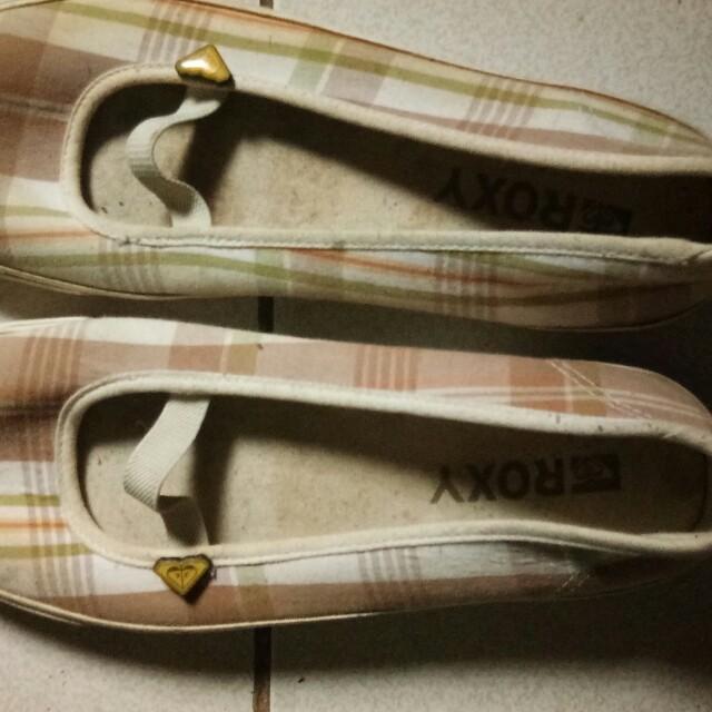 Authentic Roxy shoes