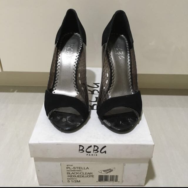 BCBG black pumps with flaws