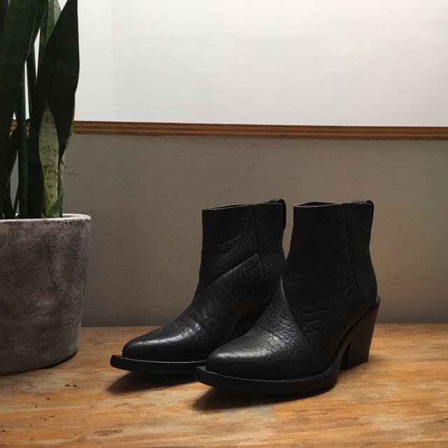 Brand new Donna Acne boots, 3.5 inch heels, pointed heels