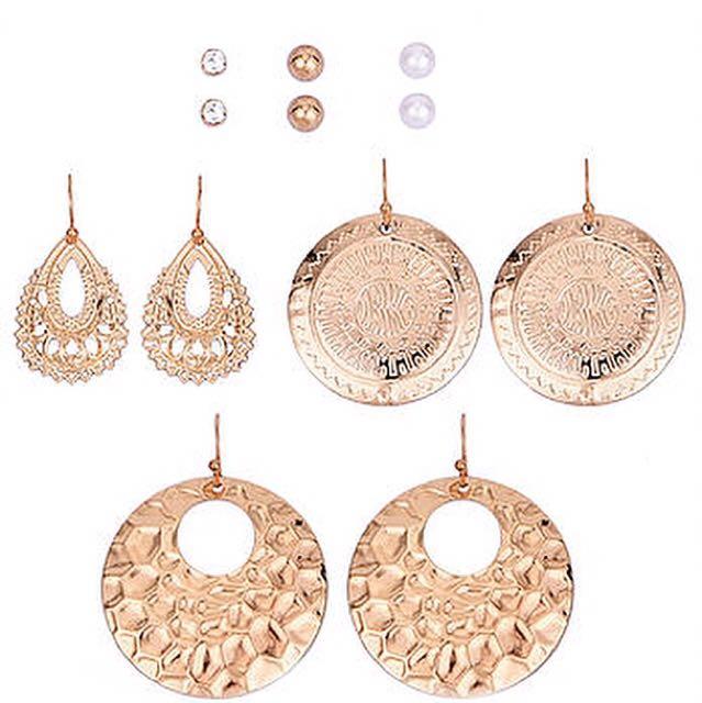 Brand new gold earrings set