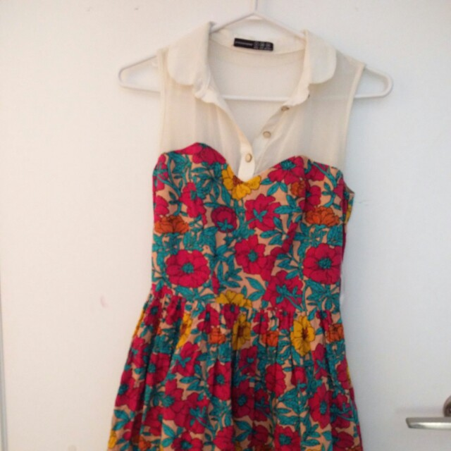 Cute floral short dress