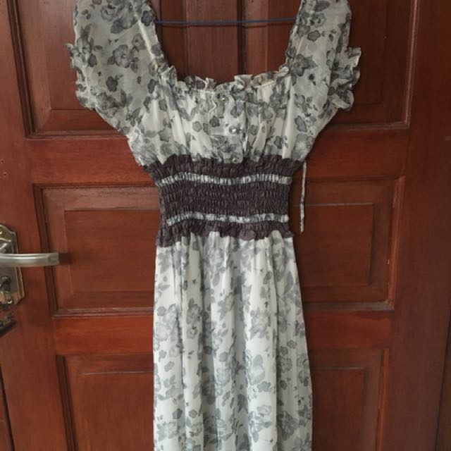 Dress flowery grey