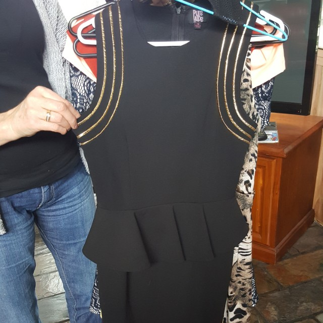 Fitted black dress w gold edging
