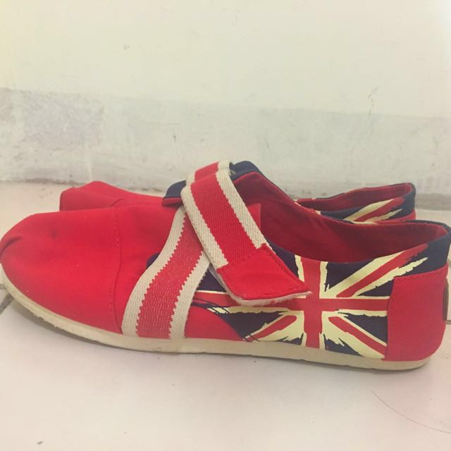 Flat red shoes
