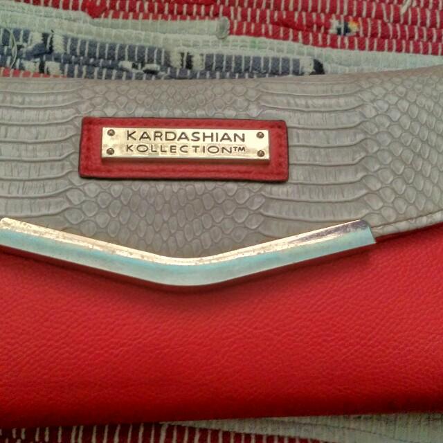 Kardashian Red wallet ori, tempat kartu nya banyaak