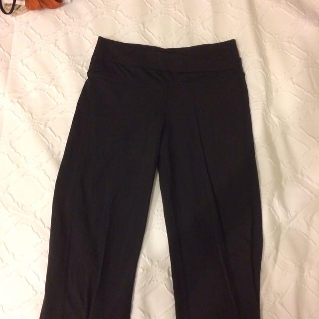 Lulu - Size 6 - Yoga Pant
