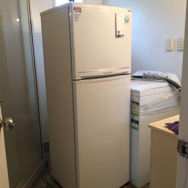Mitsubishi Refrigerator/Freezer