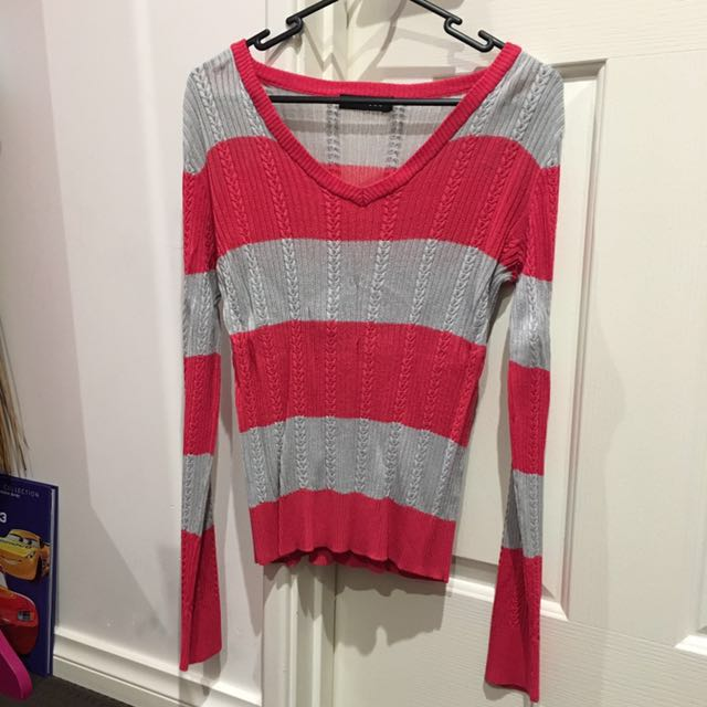 Preowned sweeter blouse size L