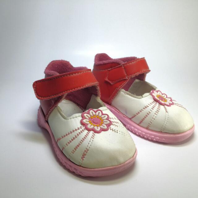 Sepatu Anak Perempuan Bisa Bunyi Murah